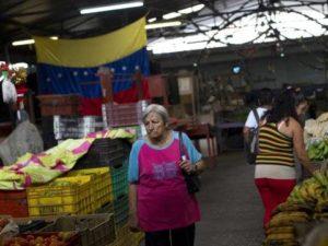 caracas-venezuela-shopping-market-inflation