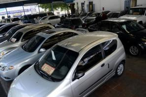 A bare-bones 2012 Toyota Corolla is worth nearly US$40,000 in Caracas today, shooting up 100 percent in value since January (Photo courtesy of: Noticias 24)
