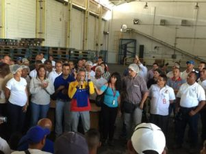 Labor Minister Oswaldo Vera supervised the resumption of production activities of US personal care company Kimberly-Clark in Venezuela in order to protect the employees' rights